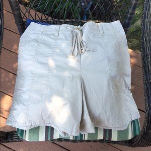 Talbots Petites Stretch Khaki shorts